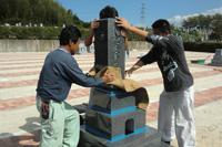 6.石材製品づくりのサポートだけでなく、霊園・墓地への墓石設置工事も、請け負います。